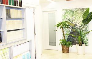 新八重洲法律事務所